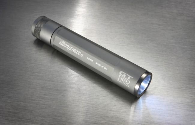 gt-r-flashlight 22crop